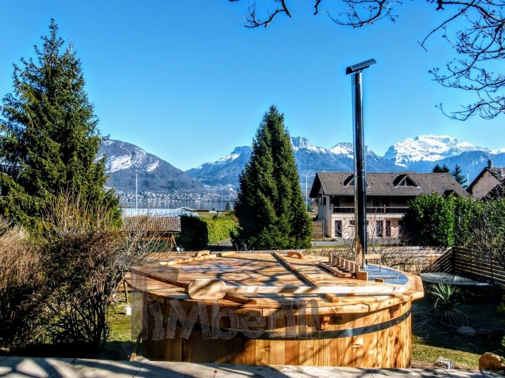 Wooden jacuzzi project done in France