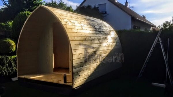 DIY outdoor sauna - walls are assembled