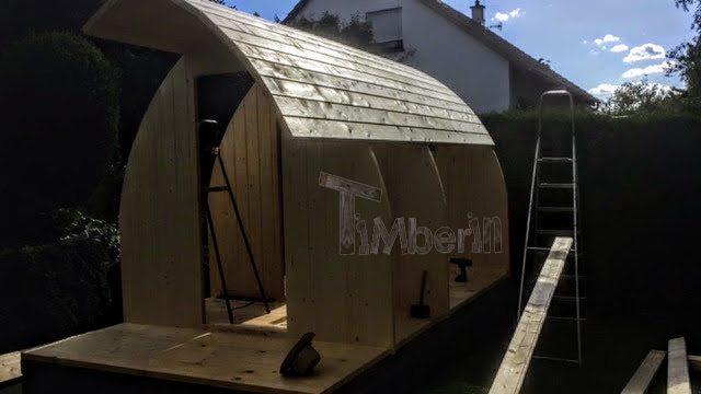 DIY outdoor wooden sauna - assembly of walls